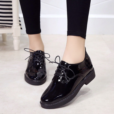 3abd7cac5f2 Ежедневни дамски лачени обувки с дебел нисък ток и връзки - 3 цвята -  Badu.bg - Светът в ръцете ти