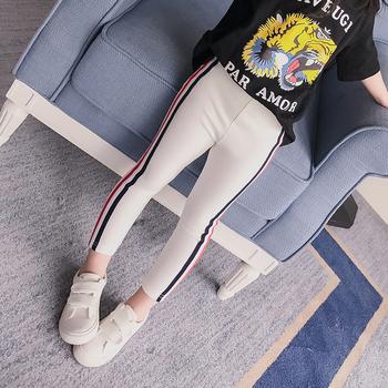 Изчистен ежедневен панталон за момиченце
