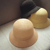 Семпли дамски шапки за есента и пролетта