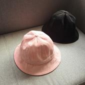 Ежедневна дамска шапка от рипсено кадифе - различни цветове