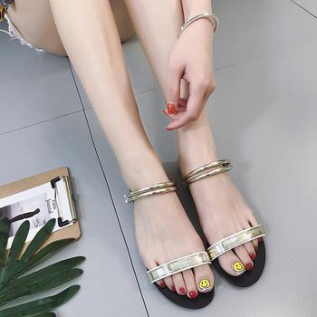 Дамски спортно-елегантни сандалки с изкрящи мотиви