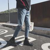 Много интересни мъжки дънкови панталони с протрити колена