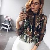 Дамска прозрачна риза с флорални мотиви