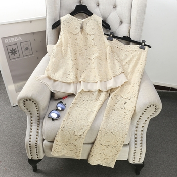 Дамски стилен комплект в дантела от 2 части- потник и дълъг панталон