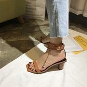 Дамски обувки на лек, дебел ток в три цвята