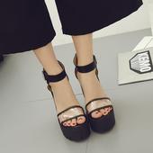 Модерни дамски обувки на висок ток с прозрачна каишка в черен цвят