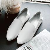 Ежедневни дамски мокасини и леко заострени, в бял и черен цвят