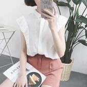Свежа дамска риза, подходяща за лятото с къс ръкав, в бял и бежов цвят