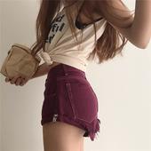 Стилни дамски къси панталони в цвят бордо с висока талия