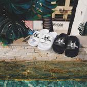 Чехли в черен и бял цвят, с изображение - унисекс