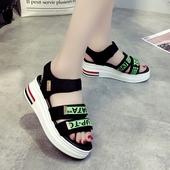 Спортни дамски сандали с цветни лепенки и удобна подметка