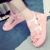 Сладки дамски сандали с удобна платформа в розов, черен и бял цвят