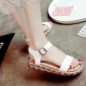 Дамски летни сандали с цветна и удобна подметка