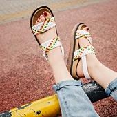 Свежи дамски сандали с удобна платформа, в бял и черен цвят