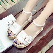 Дамски сандали, подходящи за всеки ден в бял цвят