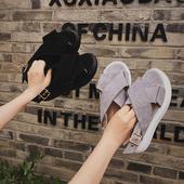 Сладки дамски сандали в черен и сив цвят с кръстосани каишки