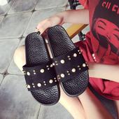 Ежедневни дамски гумени чехли с декорация мъниста