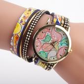 Много красив дамски часовник тип гривна с шарен циферблат