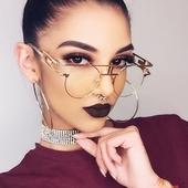Екстравагантни дамски очила с интересна форма на рамката - 12 модела