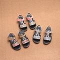 Интересен модел детски сандали за момичета с лъскава декорация