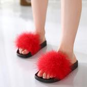 Красиви детски чехли за момичета с пух в червен, черен и сив цвят