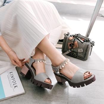 1bc0f0eaf47 Красиви сандали за дамите на лек ток с декорация мъниста - Badu.bg ...