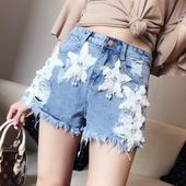 Свежи дамски къси панталони с красива бродерия и висока талия