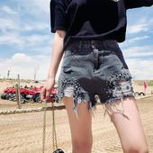 Дънкови къси панталони за дамите с висока талия и метална декорация