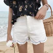 Изчистен модел дамски къси панталони с висока талия