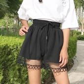 Красиви широки къси панталони с дантела - ластични