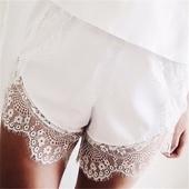 Уникални дамски къси панталони с ажурна дантела