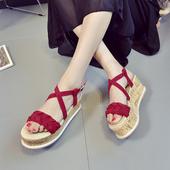 Стилни дамски сандали в три цвята с удобна платформа