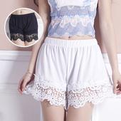 Сладки удобни къси дамски панталони с дантелен завършек