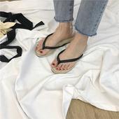 Дамски чехли през пръст в черен цвят, подходящи за ежедневие и плаж