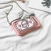 Сладка мини чанта с метална верижка и с анимационно изображение