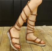 Актуални дамски сандали в римски стил и равна подметка в черен и кафяв цвят