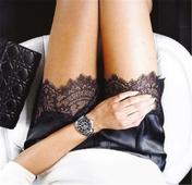 Стилни и актуални дамски сатенени панталони с много красива бродерия в краищата на крачолите