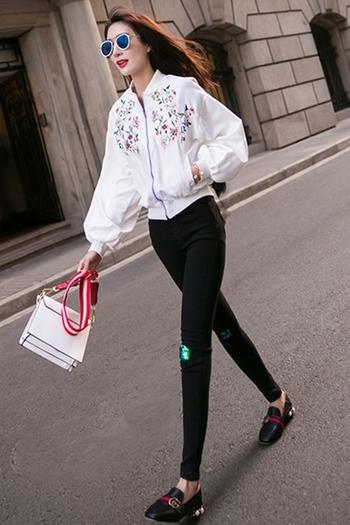 8d3d4af2a14e Κομψό σπορ-κομψό γυναικείο μπουφάν με φαρδιά μανίκια και κεντήματα ...