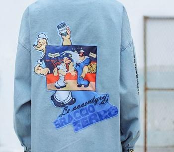 Стилно дънково яке за дамите в свободен стил с изображения в светъл цвят