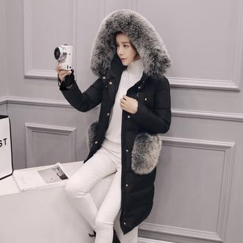 Πολύ κομψό χειμωνιάτικογυναικείο μπουφάνμε κουκούλα και γούνα