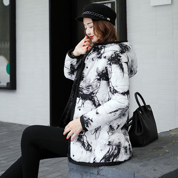 Όμορφο χειμωνιάτικο μπουφάν με κουκούλα σε ευρύ σχέδιο