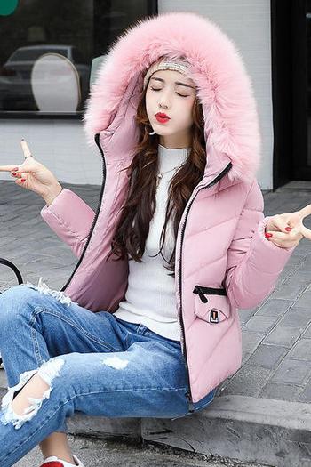 Ζεστό χειμωνιάτικο  μπουφάν με κουκούλα και γούνα σε πολλά χρώματα