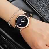 Стилен водоустойчив дамски часовник с кожена каишка