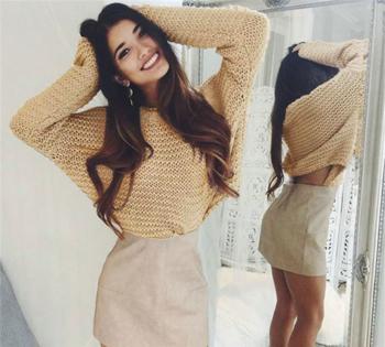 Дамски много удобен пуловер с дълъг широк ръкав в два цвята