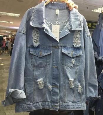 Γυναικείο τζιν μπουφάν  με κέντημα