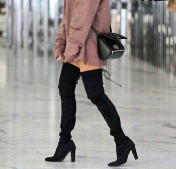 Γυναικείες μακριές μπότες με  δεσμούς πάνω από το γόνατο