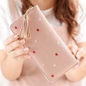 Дамски стилен портфейл с красиви сърчица