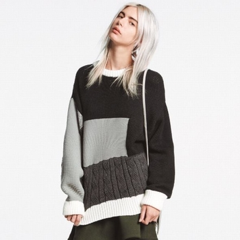 Широк и дълъг дамски пуловер в два цвята