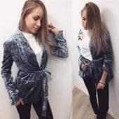 Дамско спортно-елегантно палто,тип сако от кадифен плат