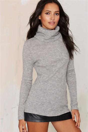 Дамски пуловер Slim fit в сив цвят